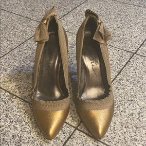 "Authentic metallic gold Lanvin pointed-toe 4"" pump"